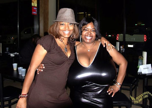 Mega curvy black women in Windy City..
