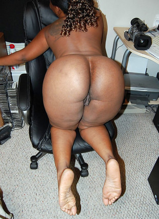 Round and lush black booty in the office