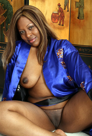 Charming black MILF with amazing big..