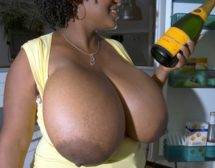 Cute black BBW housewife exposing her..